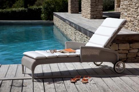 Vente d 39 usine mobilier de jardin vincent sheppard for Vente mobilier jardin